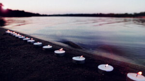 seaside-candles-calm-still